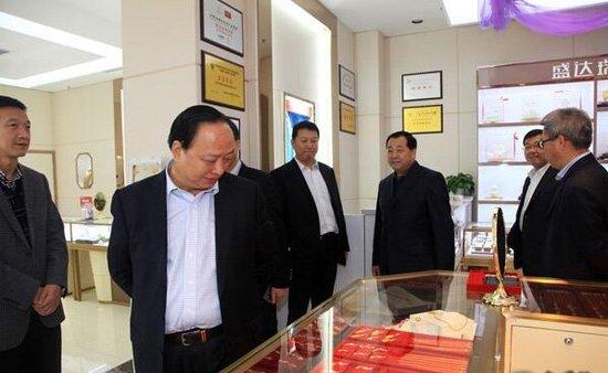 甘肃银行董事长李鑫一行参观考察甘肃盛达集团